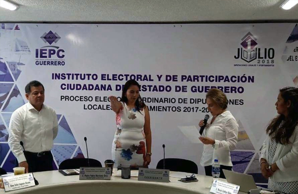 Toma IEPC protesta a la consejera Cinthya Citlali Díaz como presidenta provisional