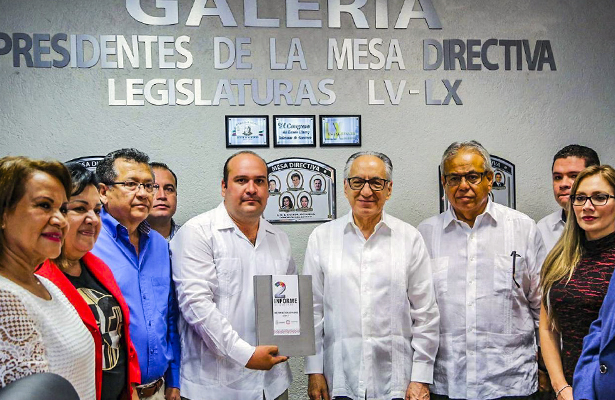 Entregan segundo informe de gobierno al Poder Legislativo