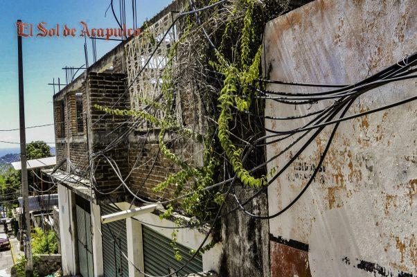 Ante la incapacidad de CAPAMA, ciudadanos roban agua de tanques colocando mangueras