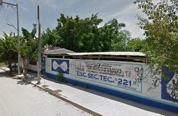 Cumplen cuatro días sin clases más de 400 alumnos de la Escuela Secundaria Técnica 221