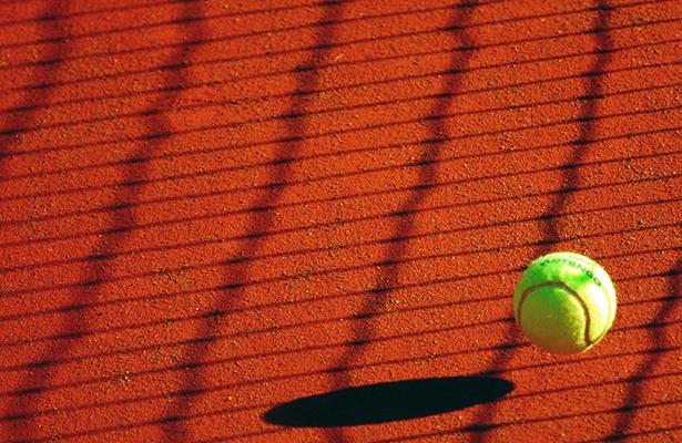 Alexa y Noly avanzan en el Halloween de Tenis