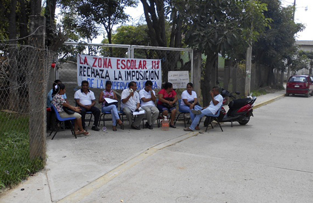 Maestros jefatura de la zona 12, en Ometepec