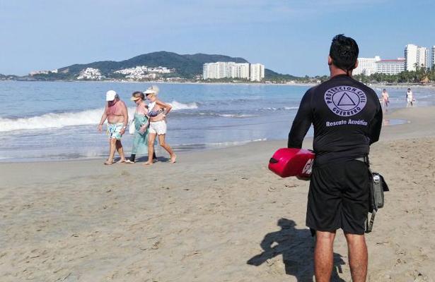 Refuerzan vigilancia en playas de Ixtapa