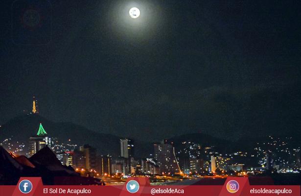Super Luna Bahía de Acapulco