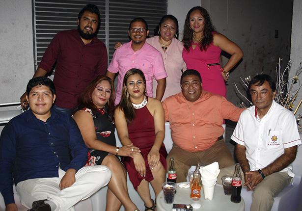 La celebración fue amenizada por el grupo musical K-fe 440 de Pancho Clemente.
