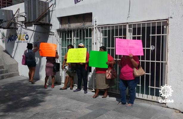 Toman oficinas del Instituto Municipal de la Mujer