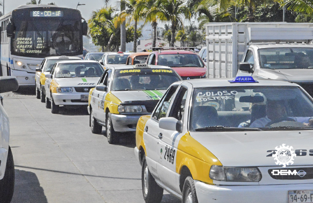 Amagan transportistas con realizar movilizaciones