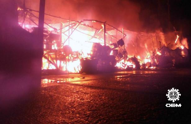Incendio consume varios locales comerciales en la Progreso