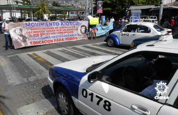 Vuelven a protestar integrantes del Movimiento Estudiantil Kiosko