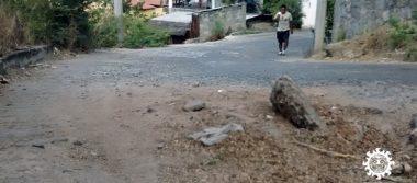 Calles desechas y sin servicios básicos en la colonia Progreso