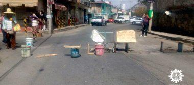 Con bloqueo demandan el servicio de agua potable en la colonia Galeana
