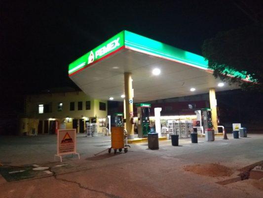 Cierran gasolineras de noche por asaltos