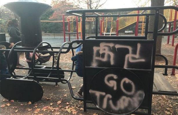Vandalizan parque de NY con esvásticas y mensajes a favor de Trump