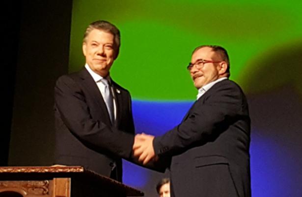 Colombia y las FARC firman acuerdo definitivo de paz