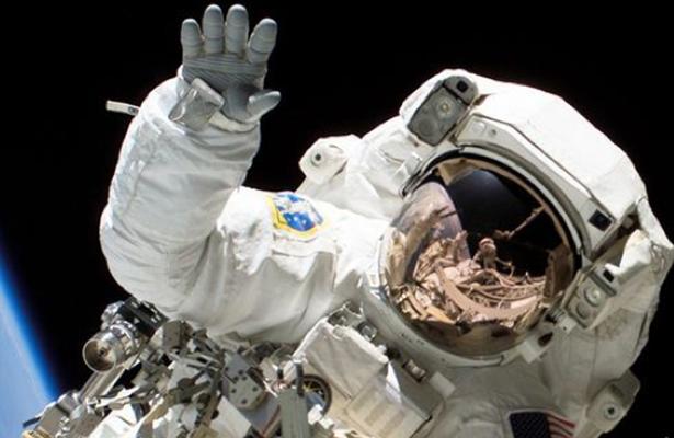 ¿Qué hacer con la popó de astronauta?