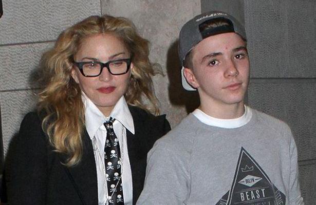Detienen al hijo de Madonna por fumarmarihuana