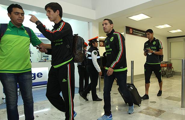 Arriba parte de la Selección a México