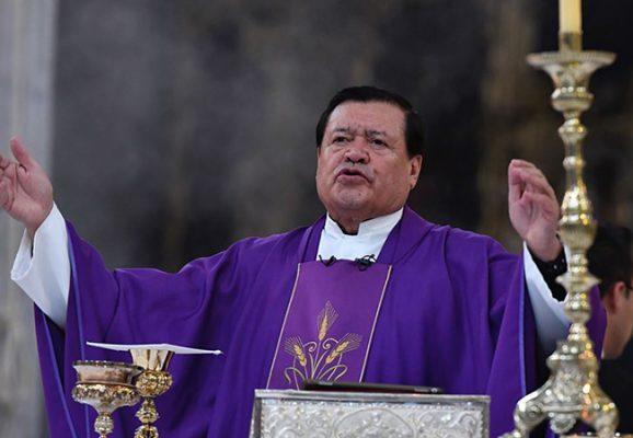 Iglesia llama traidores a mexicanos que busquen construir el muro