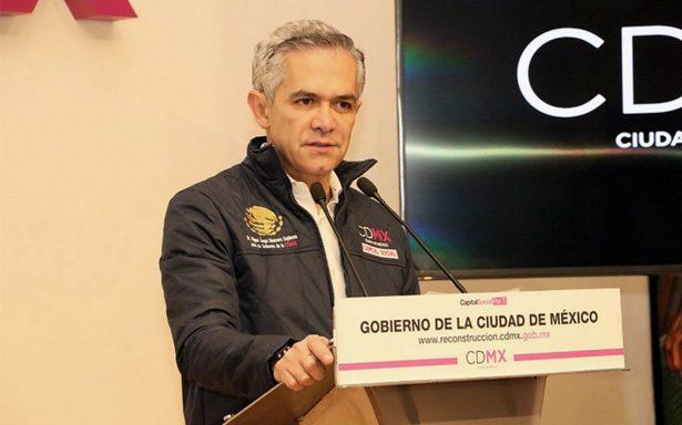 Ante invitación de perredistas, Mancera dice que no se va con Morena