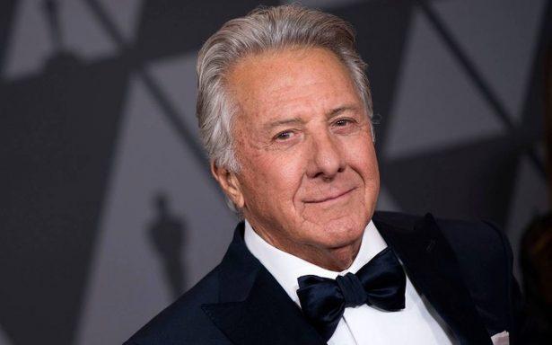 Acusan a Dustin Hoffman de exhibirse desnudo frente a una menor de edad