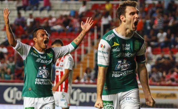 Leon goleo a Necaxa 3-0