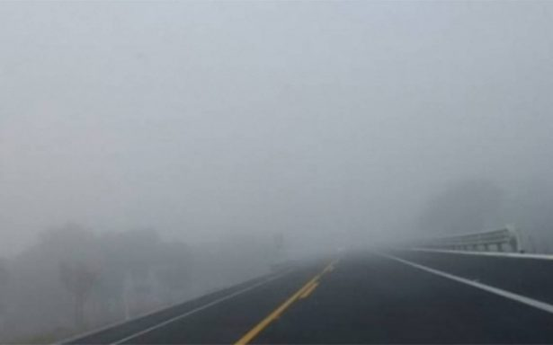 Neblina dificulta visibilidad en Circuito Exterior Mexiquense