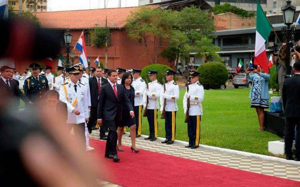 ¿Por qué Paraguay le quitó el escudo a la Bandera de México en visita de EPN?