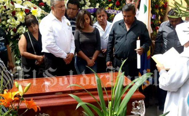 Poblanos despiden a sacerdote apuñalado en la CDMX