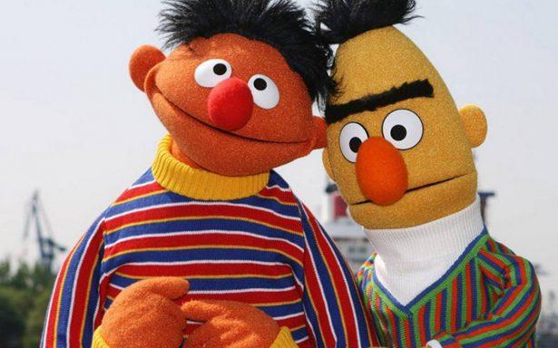Los rumores se confirman: ¡Beto y Enrique de Plaza Sésamo son pareja!