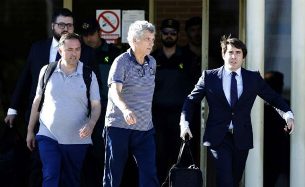 Ángel María Villar y su hijo salen de prisión tras pagar fianza