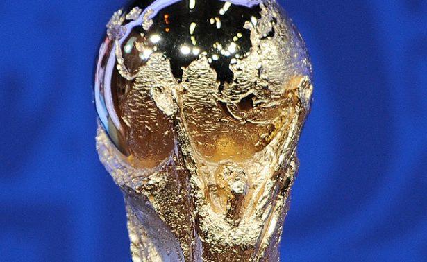 La codiciada Copa de Mundo de la FIFA, de visita en México