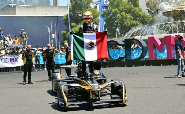 Gutiérrezexhibe su auto en el Road Showen Reforma ??