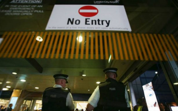 Aeropuerto londinense es cerrado por bomba de Segunda Guerra Mundial