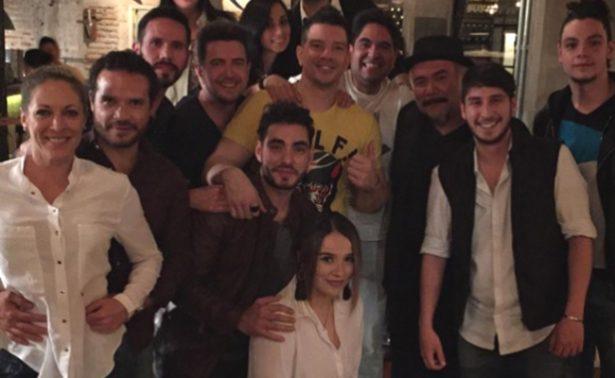 """Yahir  celebra 38 años con tema en  """"3 Idiotas"""""""