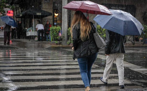 Genera lluvia caos vial, encharcamientos e inundaciones en zona oriente
