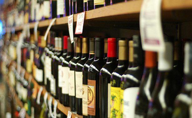 Reportan disminución en el comercio informal de bebidas alcohólicas en México