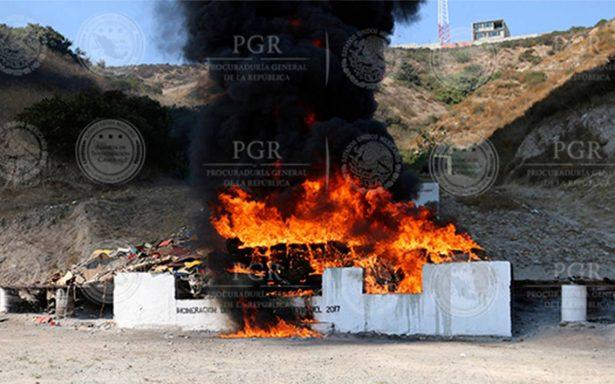 Federales incineran más de cinco toneladas de drogas en Baja California