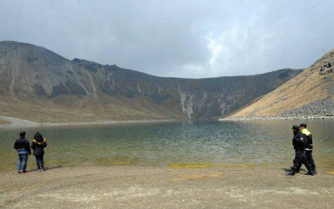 Buscan a familia extraviada en el Nevado de Toluca