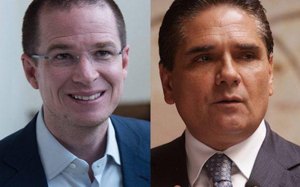 Ricardo Anaya sostiene llamada telefónica con Silvano Aureoles