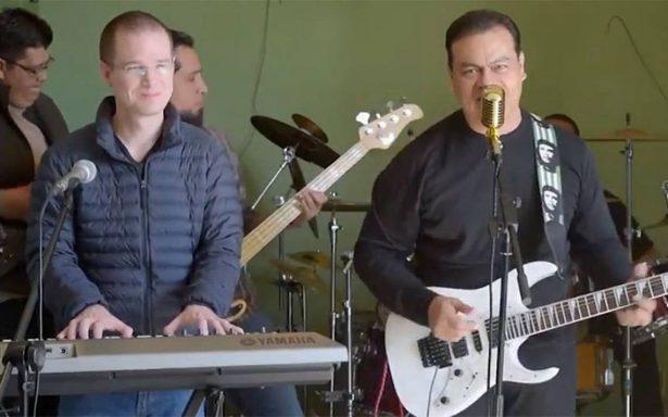 """[Video] Ricardo Anaya y Juan Zepeda se echan otro 'palomazo' y cantan """"La Bamba"""""""