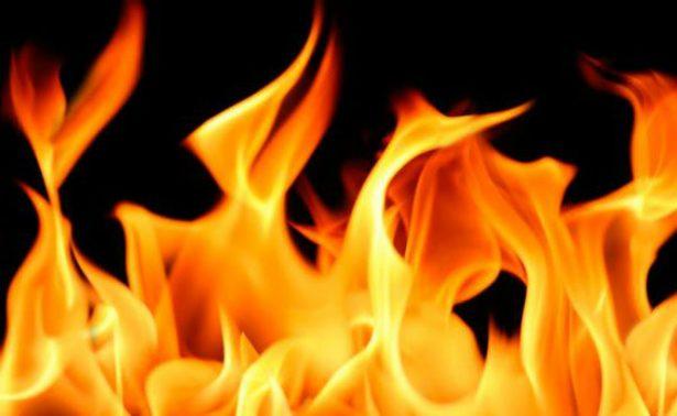 Poblano prende fuego a su familia e intenta suicidarse