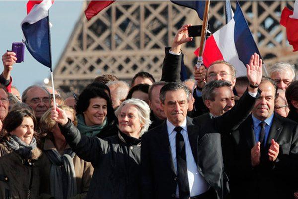 Fillon, presionado por conservadores para dejar candidatura en Francia