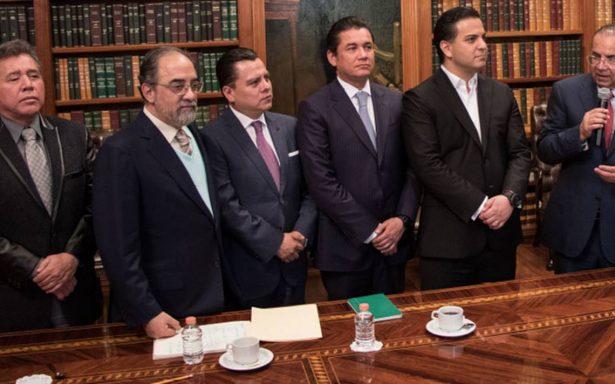 Presidente de Nueva Alianza encabeza lista de líderes de partidos con altos salarios