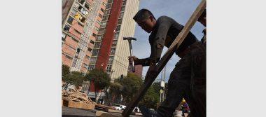 Entre incertidumbre, inician trabajos de demolición en torres de Osa Mayor