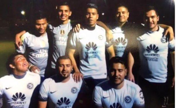 Policía de EU detiene a mexicano por traer vidrios polarizados; será deportado