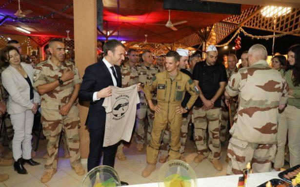 Macron celebra antes la Navidad con soldados de la lucha antiyihadista en África