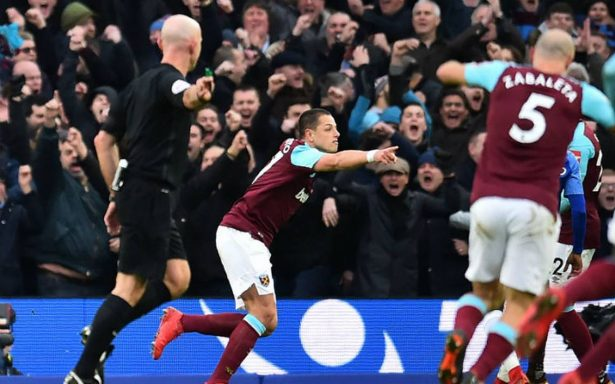 """""""Chicharito"""" marcó un golazo en derrota del West Ham"""