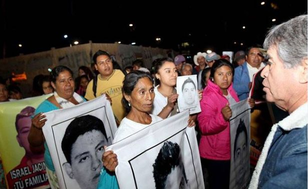 "CIDH critica a México por defender ""verdad histórica"" sobre Ayotzinapa"