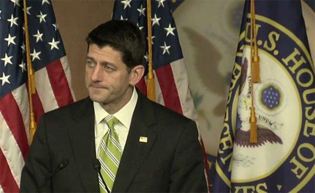 Republicanos dan la espalda a Trump; cancelan ley y se queda Obamacare