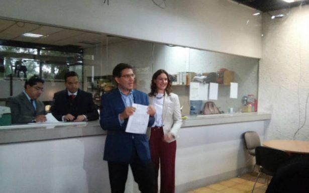 Ríos Peter se registra ante el INE como independiente a la Presidencia